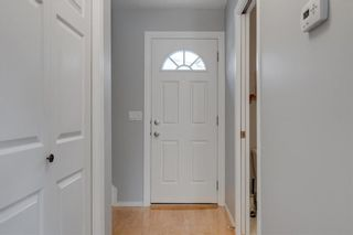 Photo 3: 14 3620 51 Street SW in Calgary: Glenbrook Row/Townhouse for sale : MLS®# C4265108