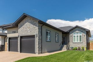 Photo 1: 758 Kloppenburg Court in Saskatoon: Evergreen Residential for sale : MLS®# SK850097