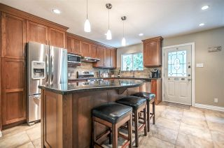Photo 3: 3812 RICHMOND Street in Port Coquitlam: Lincoln Park PQ House for sale : MLS®# R2174162