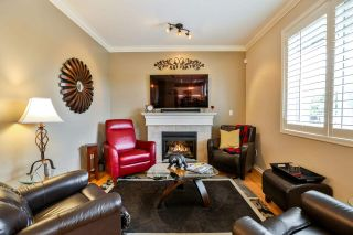 """Photo 7: 7 6177 169 Street in Surrey: Cloverdale BC Townhouse for sale in """"NORTHVIEW WALK"""" (Cloverdale)  : MLS®# R2256305"""