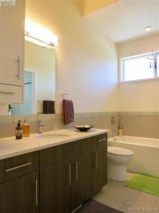Photo 8: 490 South Joffre St in VICTORIA: Es Saxe Point Half Duplex for sale (Esquimalt)  : MLS®# 816980