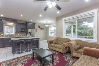 Photo 3: 3108 ENGINEER Court in Abbotsford: Aberdeen House for sale : MLS®# R2251548