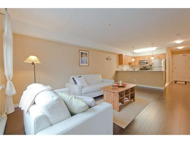 Photo 1: Photos: 105 2373 ATKINS AVENUE in : Central Pt Coquitlam Condo for sale : MLS®# V1049585