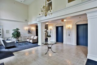 """Photo 2: 212 5835 HAMPTON Place in Vancouver: University VW Condo for sale in """"St. James"""" (Vancouver West)  : MLS®# R2037637"""