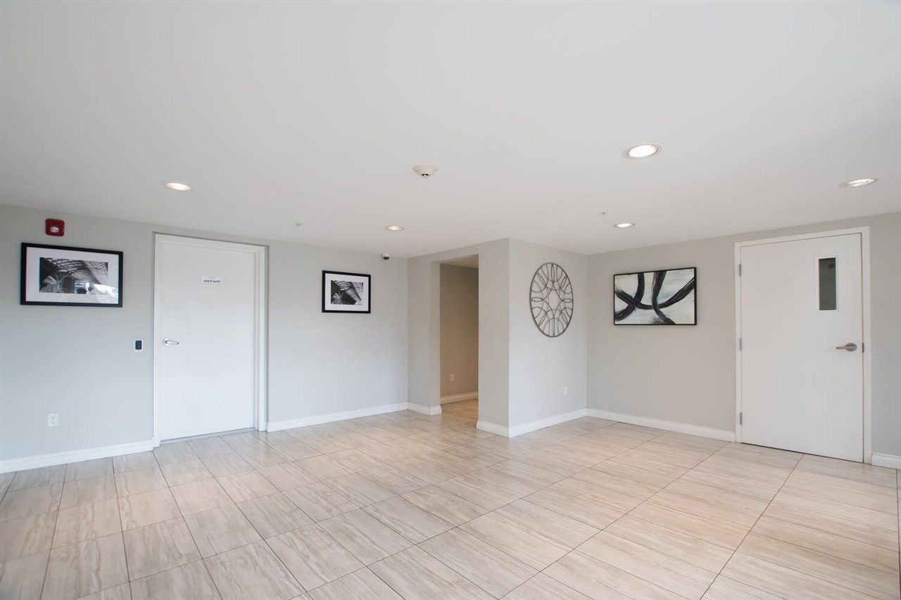 """Photo 17: Photos: 109 5650 201A Street in Langley: Langley City Condo for sale in """"PADDINGTON STATION"""" : MLS®# R2549015"""