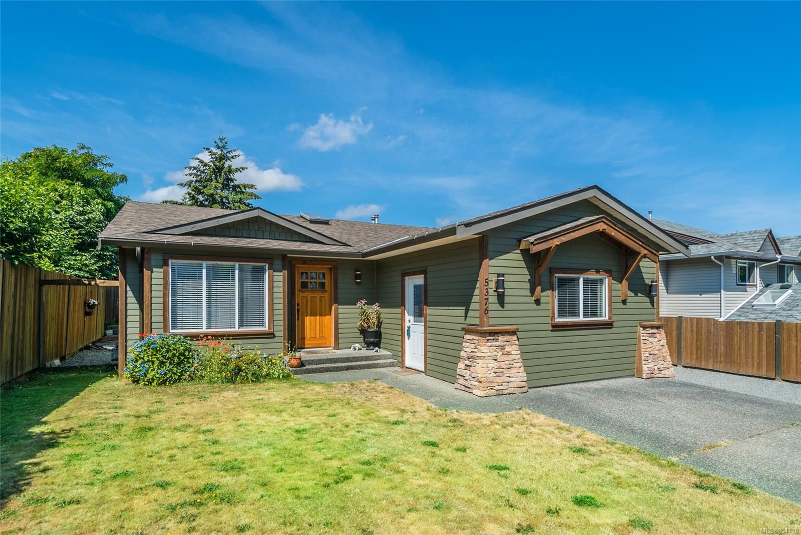 Main Photo: 5376 Colinwood Dr in Nanaimo: Na Pleasant Valley House for sale : MLS®# 854118