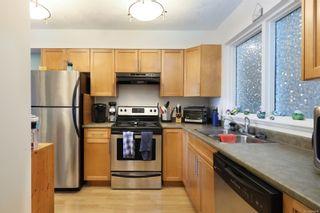 Photo 5: 104 840 Shamrock Pl in Comox: CV Comox (Town of) Condo for sale (Comox Valley)  : MLS®# 869844