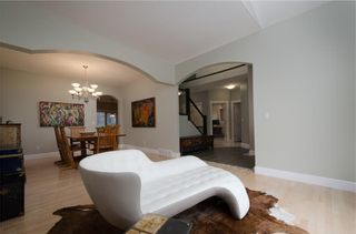 Photo 5: 1548 STRATHCONA Drive SW in Calgary: Strathcona Park Detached for sale : MLS®# C4292231