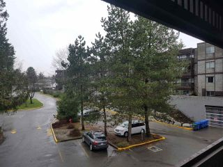 """Photo 12: 317 9672 134TH Street in Surrey: Whalley Condo for sale in """"parkwoods"""" (North Surrey)  : MLS®# R2233640"""