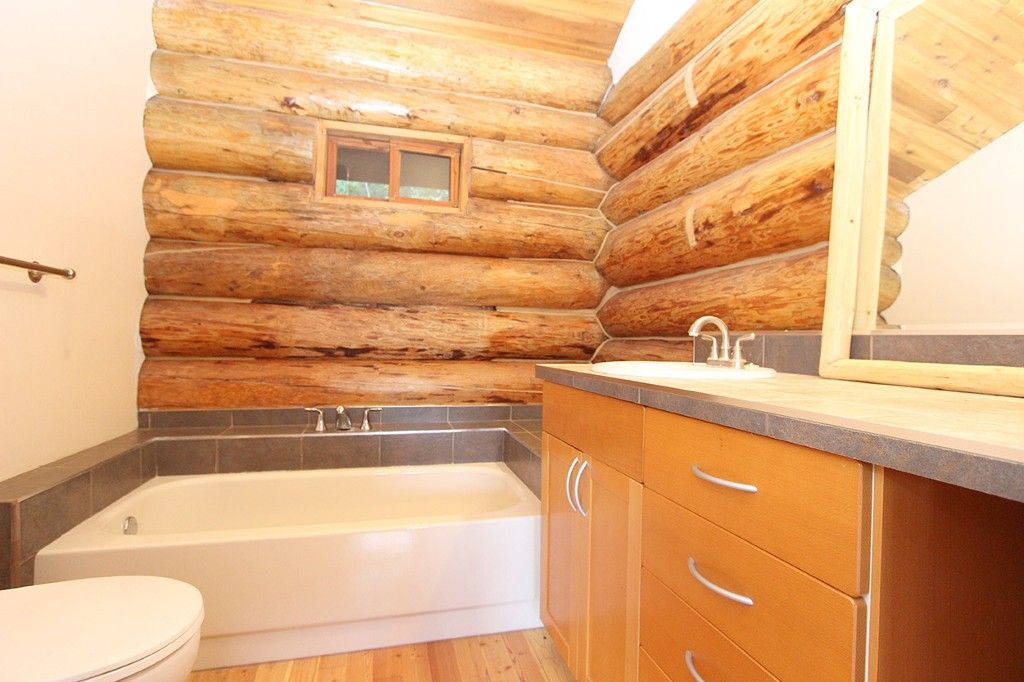Photo 27: Photos: 8079 Squilax Anglemont Highway: St. Ives House for sale (North Shuswap)  : MLS®# 10179329