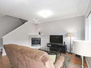 "Photo 4: 203 1567 GRANT Avenue in Port Coquitlam: Glenwood PQ Townhouse for sale in ""The Grant"" : MLS®# R2513303"