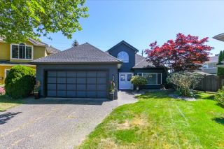 Photo 1: 4648 KENSINGTON Place in Delta: Holly House for sale (Ladner)  : MLS®# R2067512