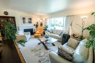 Photo 2: 7027 Ramsay Avenue in Burnaby: Highgate House for sale (Burnaby East)  : MLS®# R2202939