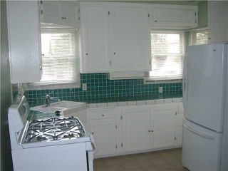 Photo 5: PACIFIC BEACH House for sale : 2 bedrooms : 4276 Lamont