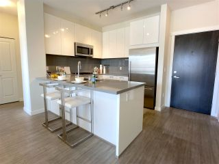 """Photo 5: 201 717 CHESTERFIELD Avenue in North Vancouver: Central Lonsdale Condo for sale in """"The Residences at Queen Mary by Polygon"""" : MLS®# R2491071"""