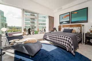 """Photo 13: 701 151 ATHLETES Way in Vancouver: False Creek Condo for sale in """"CANADA HOUSE ON THE WATER"""" (Vancouver West)  : MLS®# R2617164"""