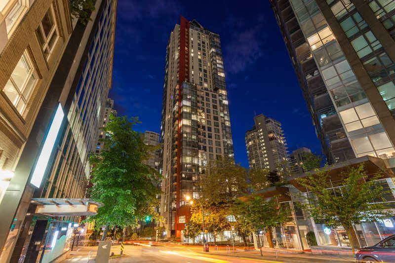 """Main Photo: 1202 1211 MELVILLE Street in Vancouver: Coal Harbour Condo for sale in """"The Ritz"""" (Vancouver West)  : MLS®# R2223413"""