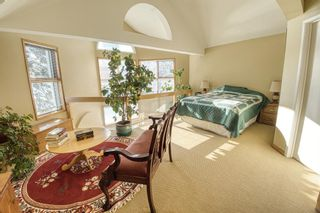 Photo 14: 232 2 Avenue NE in Calgary: Crescent Heights Detached for sale : MLS®# A1066844