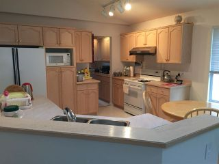 Photo 4: 3327 HOCKADAY Place in Coquitlam: Hockaday House for sale : MLS®# R2143253