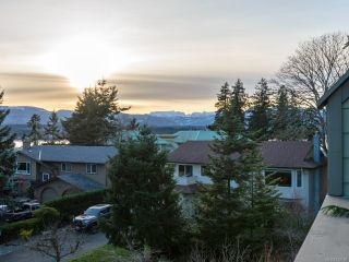 Photo 30: 304 2250 Manor Pl in COMOX: CV Comox (Town of) Condo for sale (Comox Valley)  : MLS®# 832760