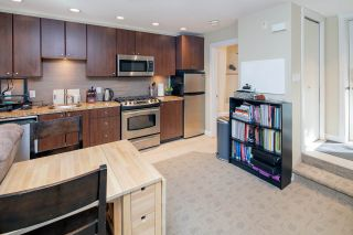 """Photo 5: 14 1863 WESBROOK Mall in Vancouver: University VW Townhouse for sale in """"Esse"""" (Vancouver West)  : MLS®# R2354042"""