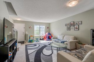 Photo 2: 3105 New Brighton Garden SE in Calgary: New Brighton Row/Townhouse for sale : MLS®# C4299217
