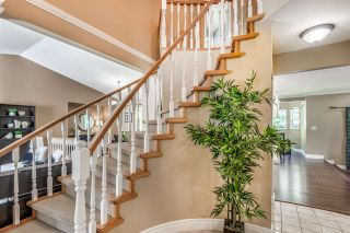 Photo 15: 6130 PARKSIDE Close in Surrey: Panorama Ridge House for sale : MLS®# R2454955
