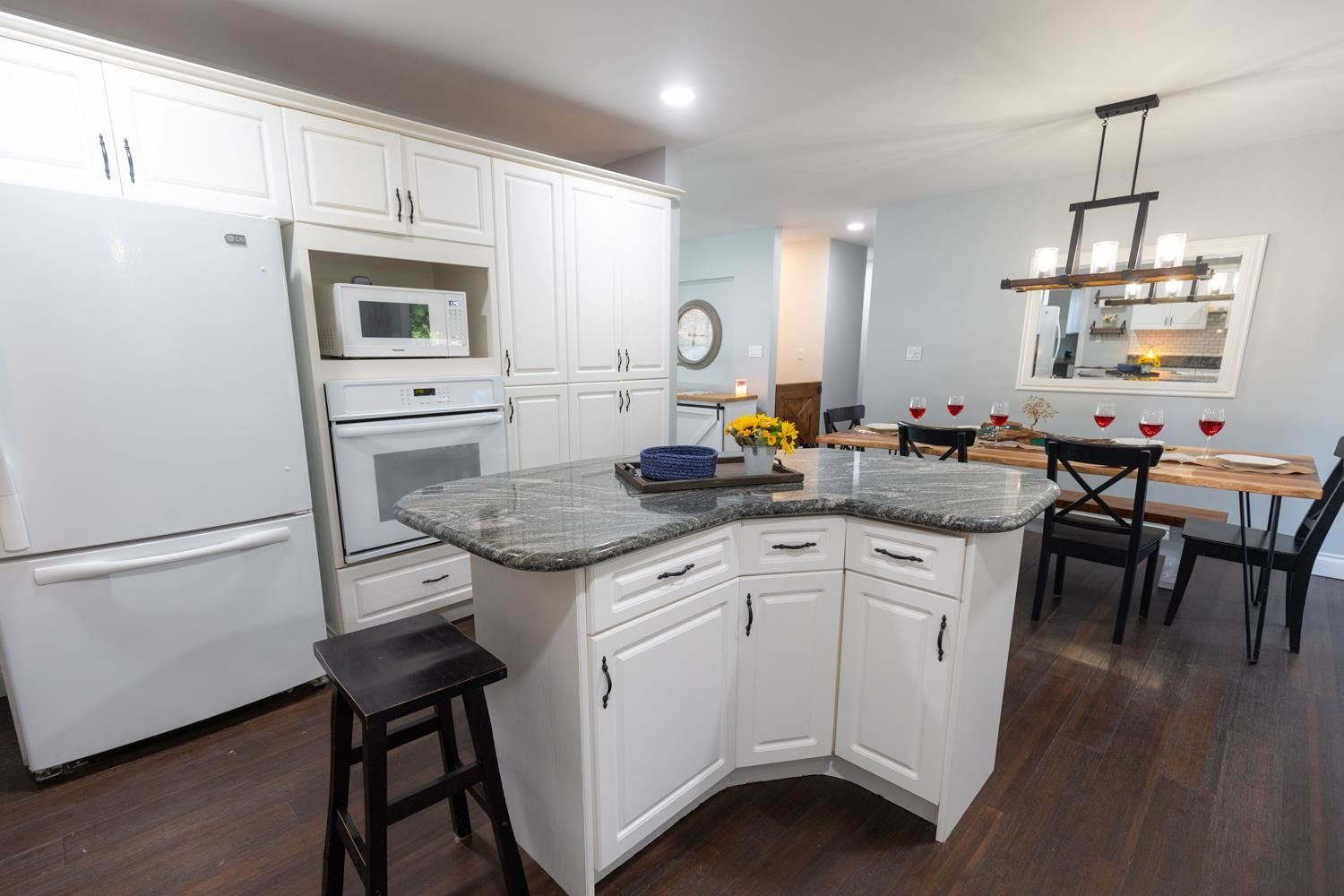 Photo 10: Photos: 2246 BEDFORD Place in Abbotsford: Abbotsford West House for sale : MLS®# R2602902