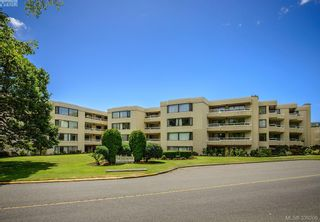 Photo 20: 205 1370 Beach Dr in VICTORIA: OB South Oak Bay Condo for sale (Oak Bay)  : MLS®# 675292