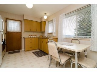 Photo 8: 966 RANCH PARK WY in Coquitlam: Ranch Park House for sale : MLS®# V1058710