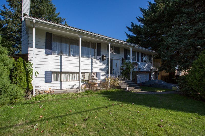 Main Photo: 15495 OXENHAM Avenue: White Rock House for sale (South Surrey White Rock)  : MLS®# R2311756