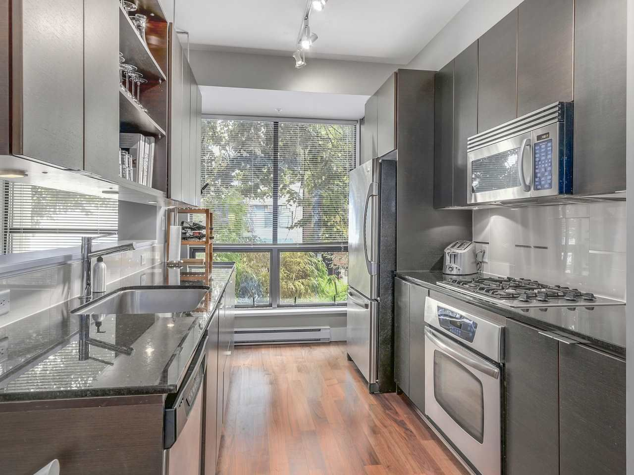 """Photo 3: Photos: 3748 COMMERCIAL Street in Vancouver: Victoria VE Townhouse for sale in """"BRIX 1"""" (Vancouver East)  : MLS®# R2107827"""