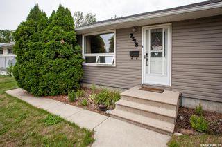 Photo 1: 2518 Wiggins Avenue South in Saskatoon: Adelaide/Churchill Residential for sale : MLS®# SK867496