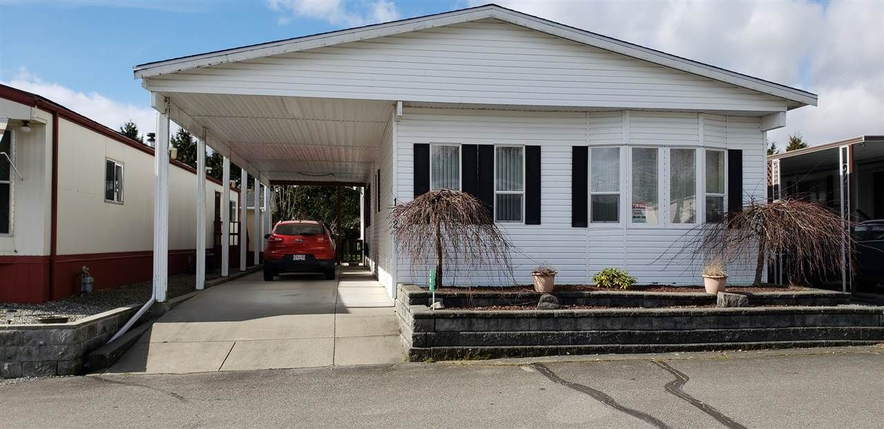 "Main Photo: 102 27111 0 Avenue in Langley: Aldergrove Langley Manufactured Home for sale in ""Pioneer Park"" : MLS®# R2556283"