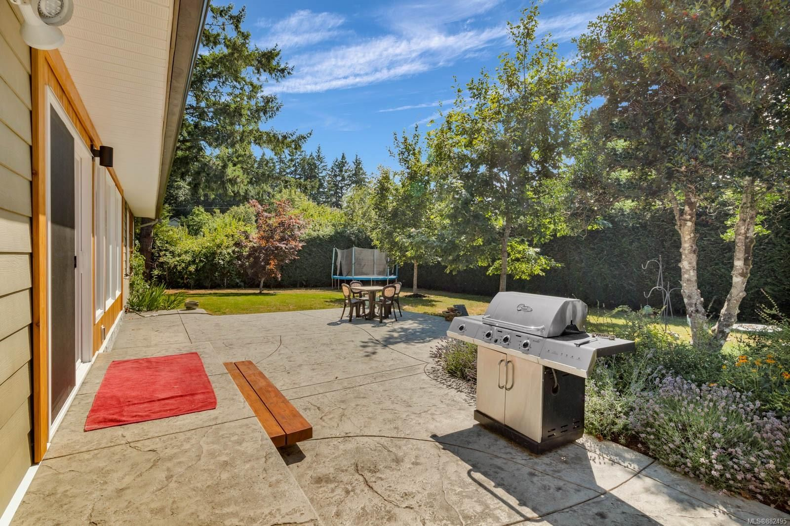 Photo 35: Photos: 375 Butchers Rd in : CV Comox (Town of) House for sale (Comox Valley)  : MLS®# 882495