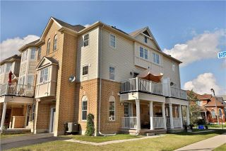 Photo 1: 949 Sprague Place in Milton: Coates House (3-Storey) for sale : MLS®# W3917461