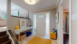 Photo 2: 144 QUESNELL Crescent in Edmonton: Zone 22 House for sale : MLS®# E4265039