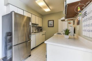 """Photo 8: 115 1442 BLACKWOOD Street: White Rock Condo for sale in """"Blackwood Manor"""" (South Surrey White Rock)  : MLS®# R2433629"""