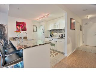 Photo 5: 905 788 HAMILTON Street in Vancouver: Downtown VW Condo for sale (Vancouver West)  : MLS®# V1043818