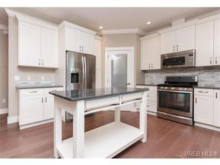 Photo 8: 3649 Coleman Pl in VICTORIA: Co Latoria House for sale (Colwood)  : MLS®# 685080