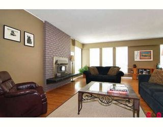 Photo 3: 8875 204A Street in Langley: Walnut Grove House for sale : MLS®# F2915413