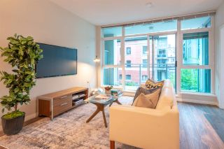"""Photo 2: 402 100 E ESPLANADE Street in North Vancouver: Lower Lonsdale Condo for sale in """"The Landing"""" : MLS®# R2357856"""