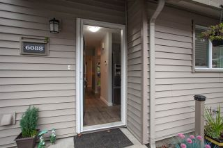 """Photo 16: 6088 W GREENSIDE Drive in Surrey: Cloverdale BC Townhouse for sale in """"Greenside Estates - Cluster 15"""" (Cloverdale)  : MLS®# R2318848"""