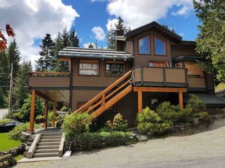 """Photo 3: 2347 CHEAKAMUS Way in Whistler: Bayshores House for sale in """"Bayshores"""" : MLS®# R2595543"""