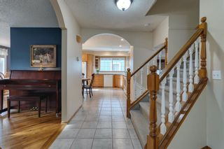 Photo 3: 167 Sunmount Bay SE in Calgary: Sundance Detached for sale : MLS®# A1103089