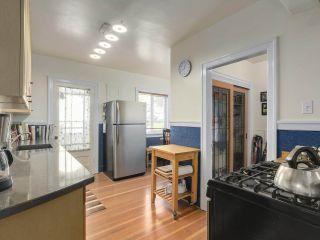 """Photo 8: 2185 COLLINGWOOD Street in Vancouver: Kitsilano House for sale in """"Kitsilano"""" (Vancouver West)  : MLS®# R2311078"""