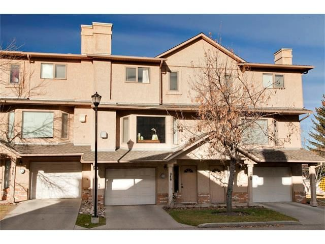 Main Photo: 246 CHRISTIE PARK Mews SW in Calgary: Christie Park House for sale : MLS®# C4089046