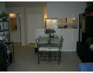 """Photo 3: 106 7038 21ST Avenue in Burnaby: Middlegate BS Townhouse for sale in """"THE ASHBURY"""" (Burnaby South)  : MLS®# V631772"""
