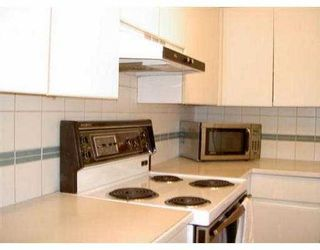 """Photo 5: 204 943 W 8TH AV in Vancouver: Fairview VW Condo for sale in """"SOUTHPORT"""" (Vancouver West)  : MLS®# V536722"""