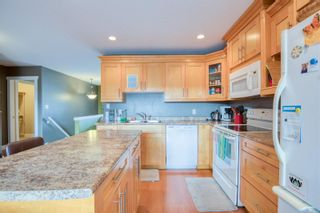 Photo 3: 563 Fifth St in : Na University District House for sale (Nanaimo)  : MLS®# 866025